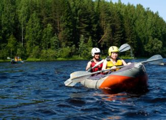 Grab the Right Kit from Water Ski Shop for a Fun Filled Time with Colleagues While Skiing